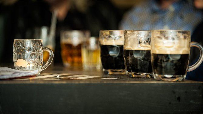 cause effect of binge drinking Individuals who binge drink,  health concerns from binge drinking  types of interventions would have the effect of decreasing binge drinking significantly .